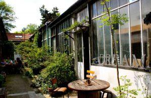 La terrasse de l'atelier d'artiste de Luc à louer sur SnapEvent.fr