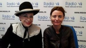 Christelle Reboul (Nos chers voisins) aux côté de la Dame au chapeau