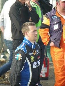 Rudolf Schafer concentré avant d'entrer en piste
