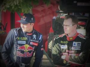 Gaétan Sérazin (droite) et Davy Jeanney (gauche) observent leurs adversaires