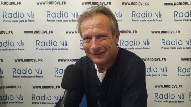 Le journaliste et animateur Laurent Bignolas (Crédit: Radio VL)